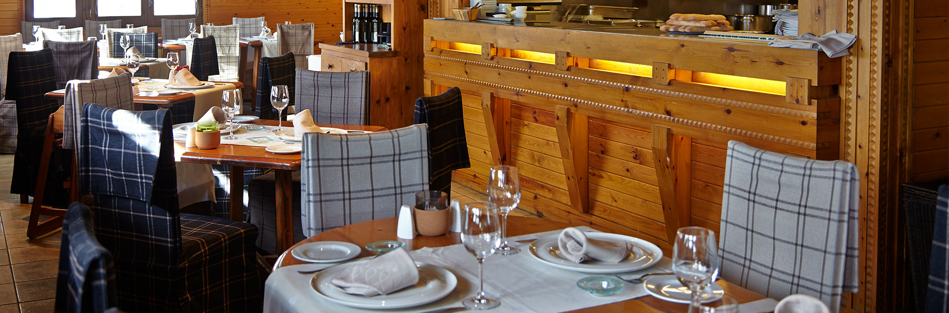 borda restaurant at the foot of the soldeu slopes sol i neu club hermitage