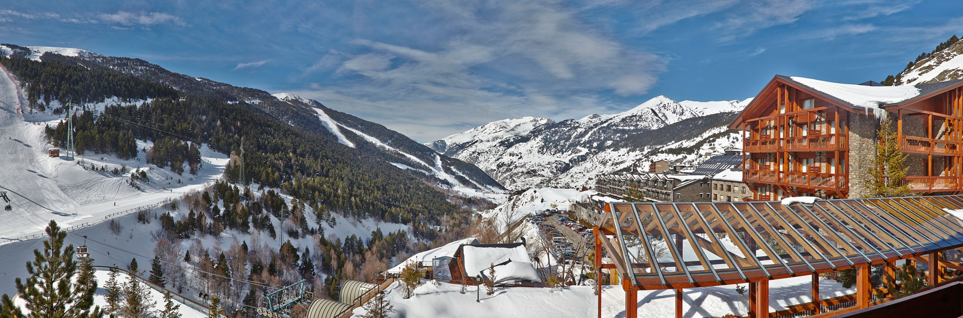 Ski in Grandvalira with 4* hotel at the foot of the slopes