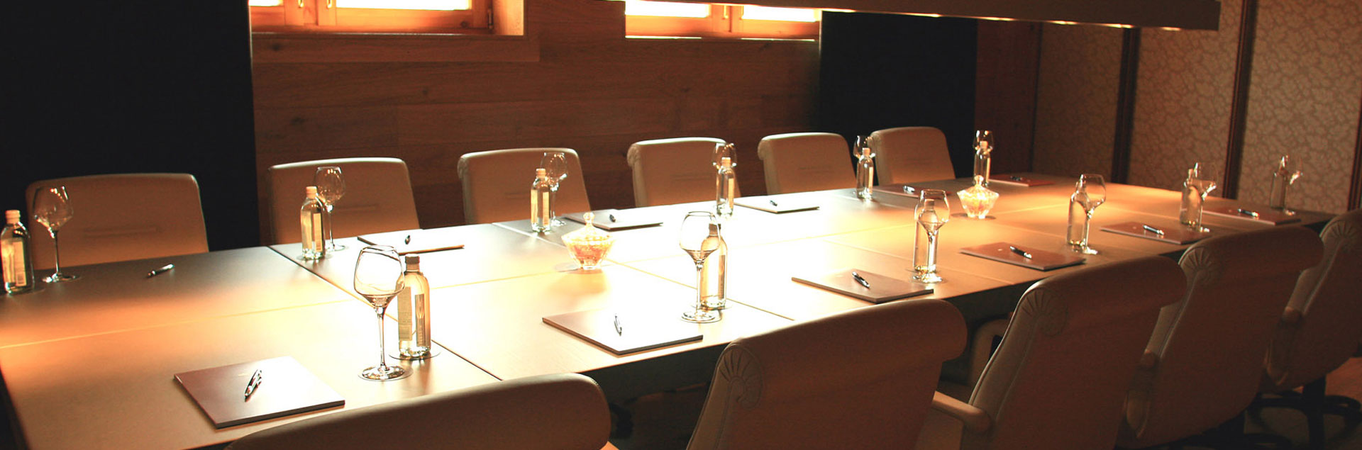 Hotels with company meeting rooms
