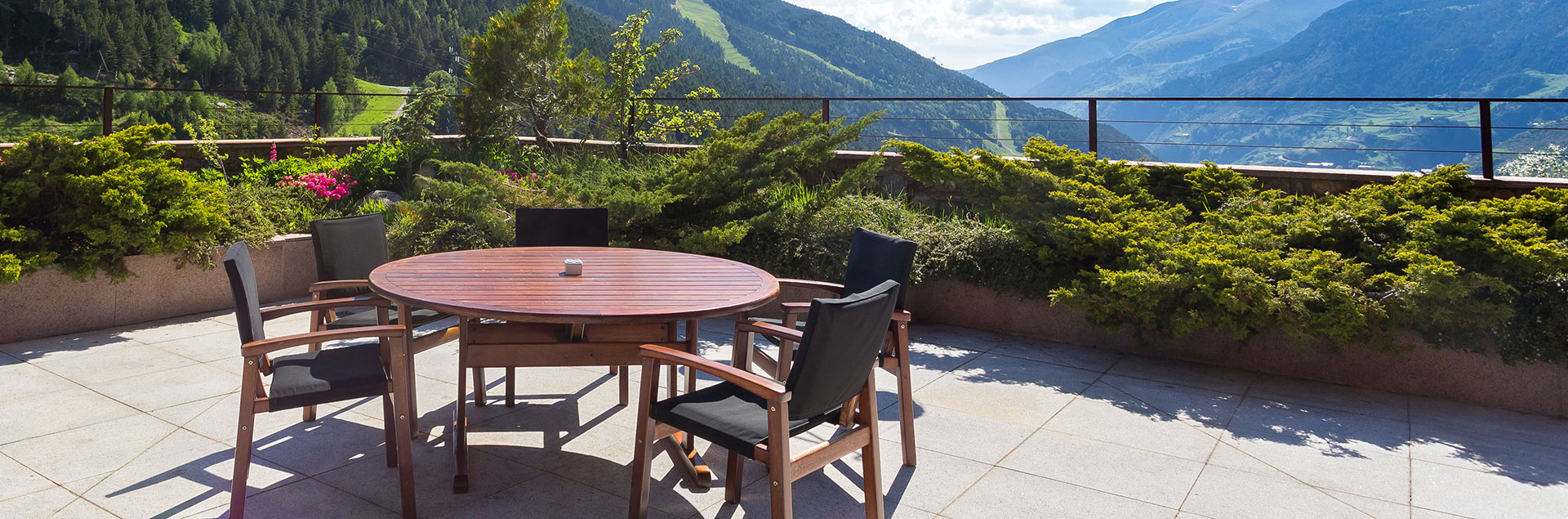 hotel in andorra with a terrace with views soldeu